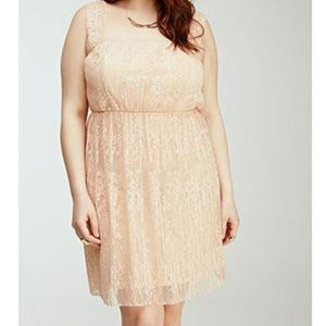 Forever 21 Dresses - Forever 21 Plus Blush Lace Pleated Dress